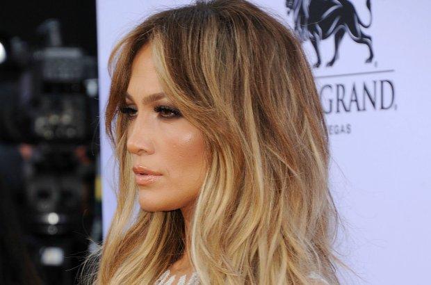 z18002577Q,Jennifer-Lopez